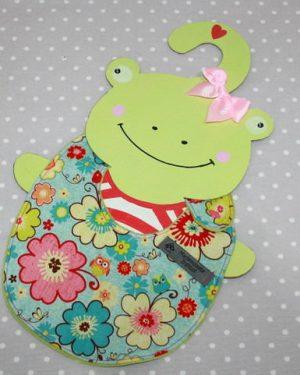 Bavoir bébé 0/8 mois thème fleurs