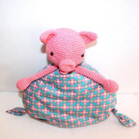 Mademoiselle cochonnette, doudou cochon pour bébé au crochet  2