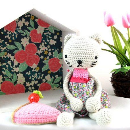 Miminette, doudou chat au crochet