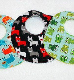 Lot cadeau de naissance 3 pièces /3 handmade baby bibs