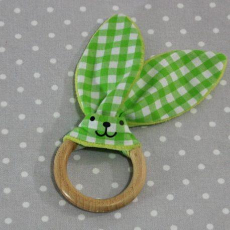 Anneau de dentition oreille de lapin vichy vert / handmade green vichy teething ring