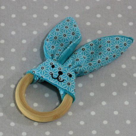 Anneau de dentition oreille de lapin bleu / handmade blue teething ring