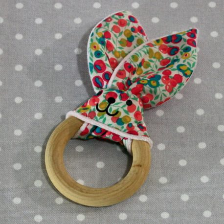 Anneau de dentition oreille de lapin liberty / handmade blue liberty teething ring