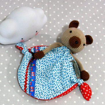 Michka, doudou bébé, ours au crochet fait main