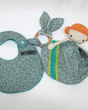 Coffret de naissance Millie thème fleurettes bleues