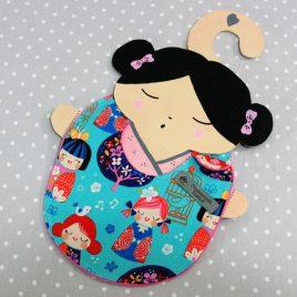 Bavoir bébé 0/8 mois thème kokeshi