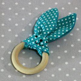 Anneau de dentition oreille de lapin vichy bleu / handmade blue vichy teething ring