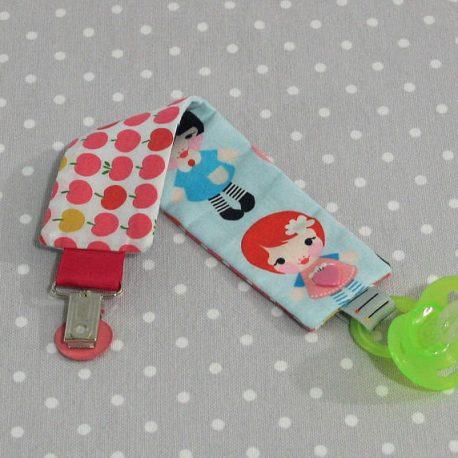 Attache-tétine tissu fait main thème petites filles 2