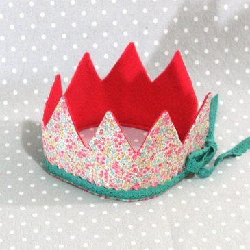 Je suis une princesse: couronne Princesse des fleurs rose fait main