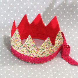 Je suis une princesse: couronne Princesse des fleurs jaune fait main