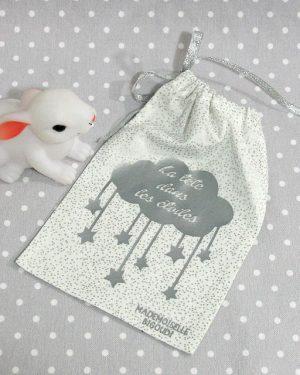 Pochon/petit sac en coton pour mes joujoux, thème la tête dans les étoiles