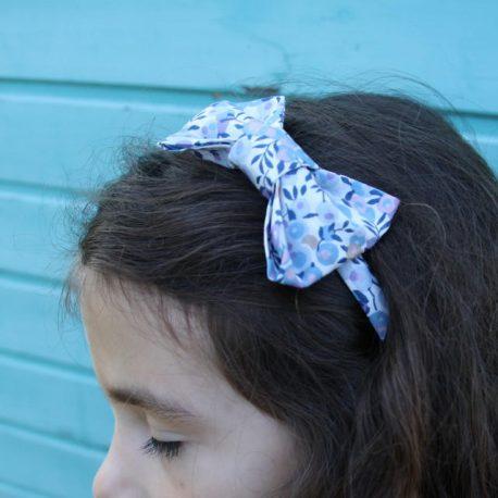 Serre-tête petit nœud/accessoire enfant Liberty Wiltshire lilas 2