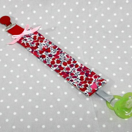 Attache-tétine tissu fait main thème Liberty Wiltshire rouge
