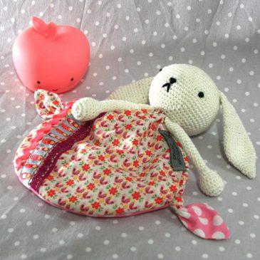 May, doudou lapin pour bébé