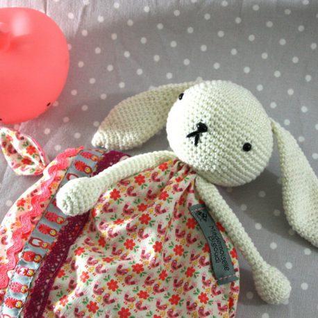 May, doudou lapin pour bébé 2