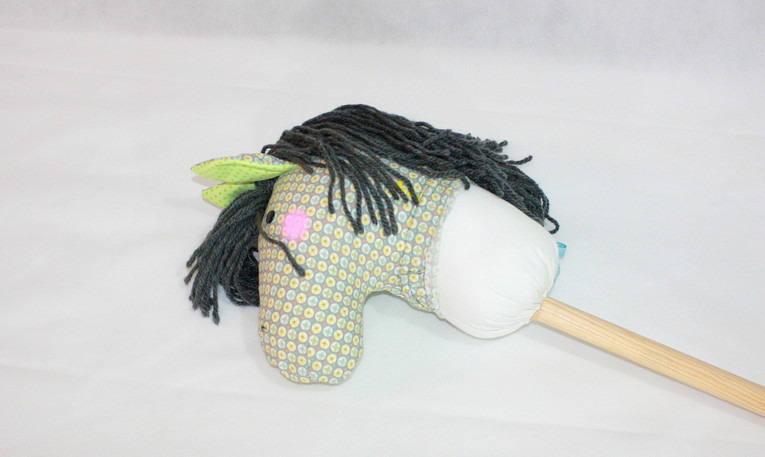 Vaillant, jouet/ marotte/ cheval bâton à chevaucher 2