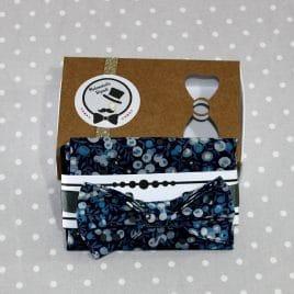 Ensemble pochette et Nœud papillon pré-noué / ajustable pour homme Liberty Wiltshire bleu marine