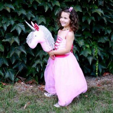 Commande spéciale pour Juliette, licorne bâton à chevaucher