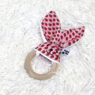 Anneau de dentition lapin thème fraise rose