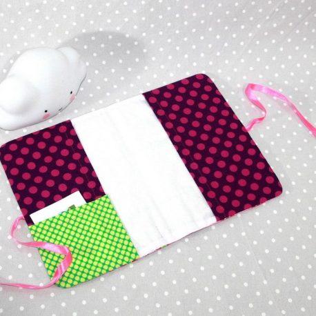 Protège carnet de santé personnalisable thème petites poupées 2