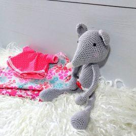 Doudou souris au crochet commande spéciale